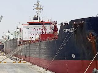 النقل تستقبل عدداً من ناقلات النفط في ميناء خور الزبير التخصصي