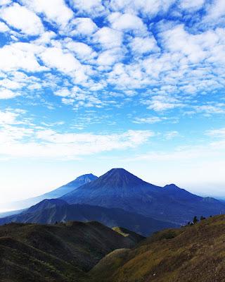 foto gunung sindoro dan sumbi