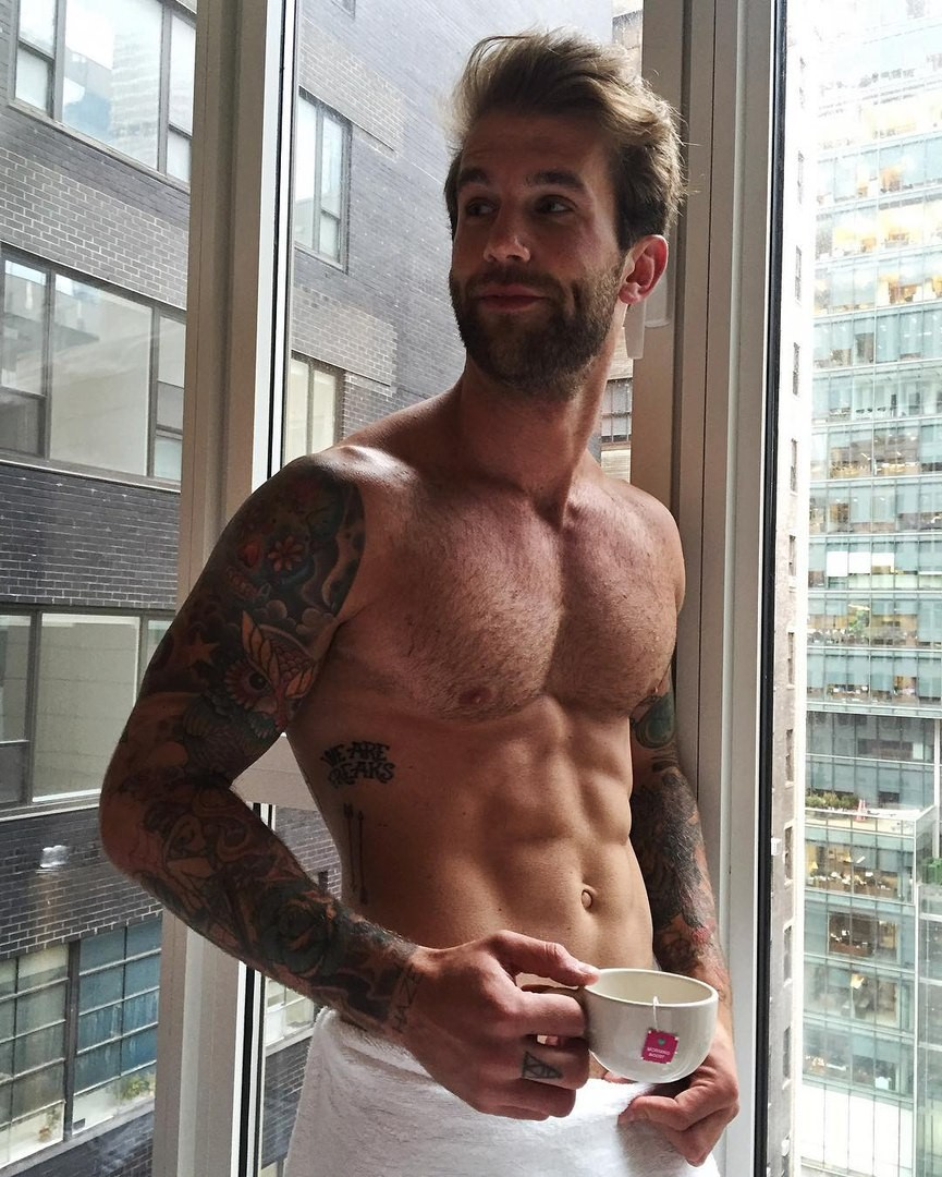 male-shirtless-daddy-Andre-Hamann