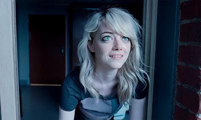 Sam interpretada por Emma Stone