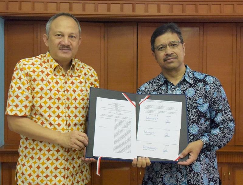 Pemprov Jabar Gandeng PT Pos Logistik Indonesia Distribusikan Sejuta Masker