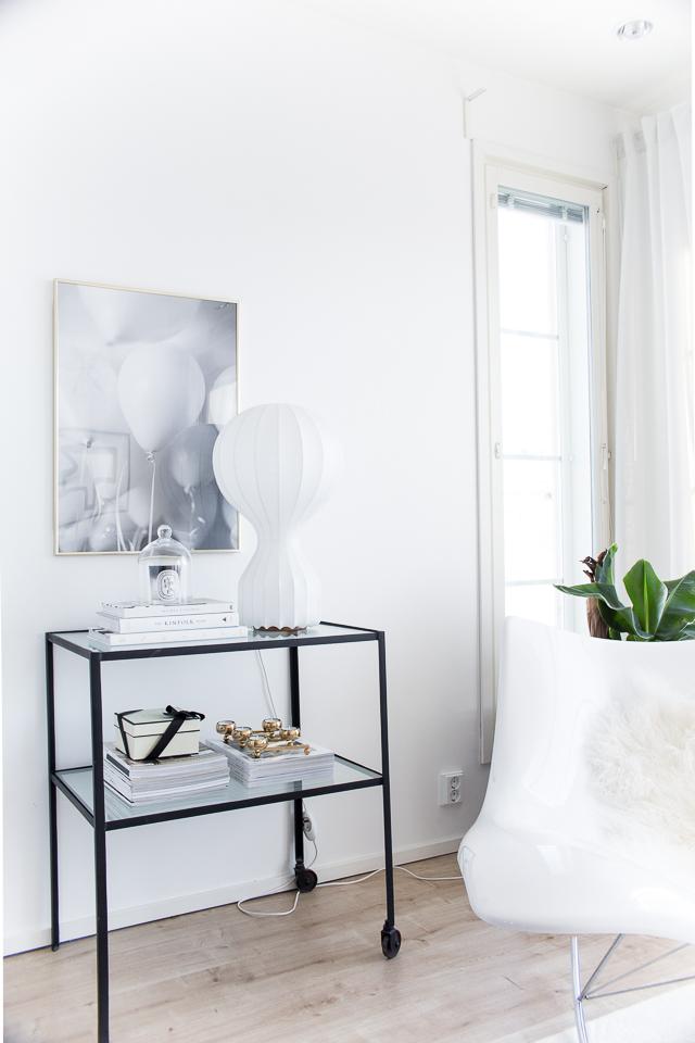 Villa H, flos gatto, interior, house doctor sivupöytä