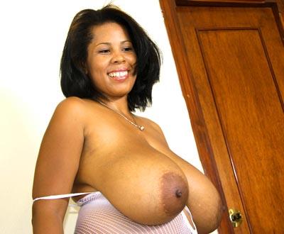 32ee boobs