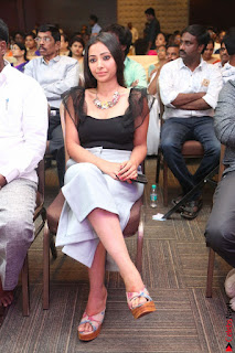 Swetha Basu in a Black Sleeveless Top Long Skirt at Mixture Potlam Movie Audio Launch 067.JPG