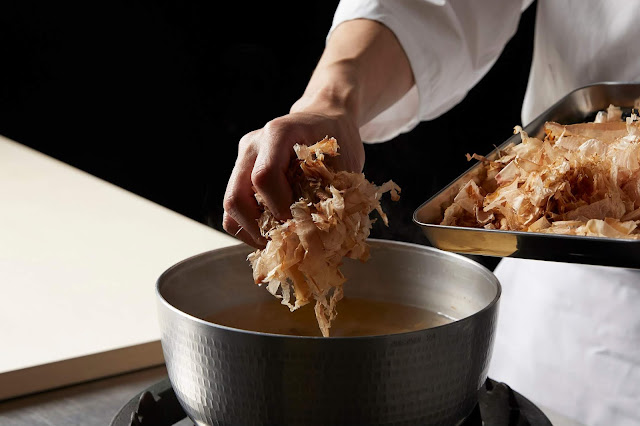 """UmamiInformationCenter UmamiinDriedBonito on%2BGoogle%2BArts%2B %2BCulture - """"Meshiagare"""" = bom apetite: Google Arts & Culture leva você por uma viagem aos sabores do Japão"""