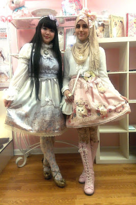 Cewek Hijab Pakai Dress Lolita 911 Cewek Hijab Pakai Dress Lolita 9gag