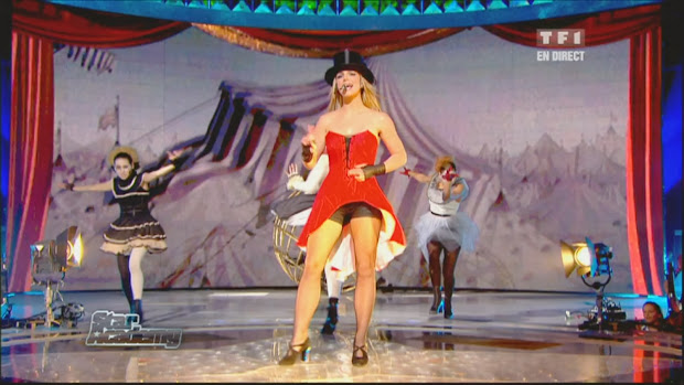 Britney Spears Womanizer Live
