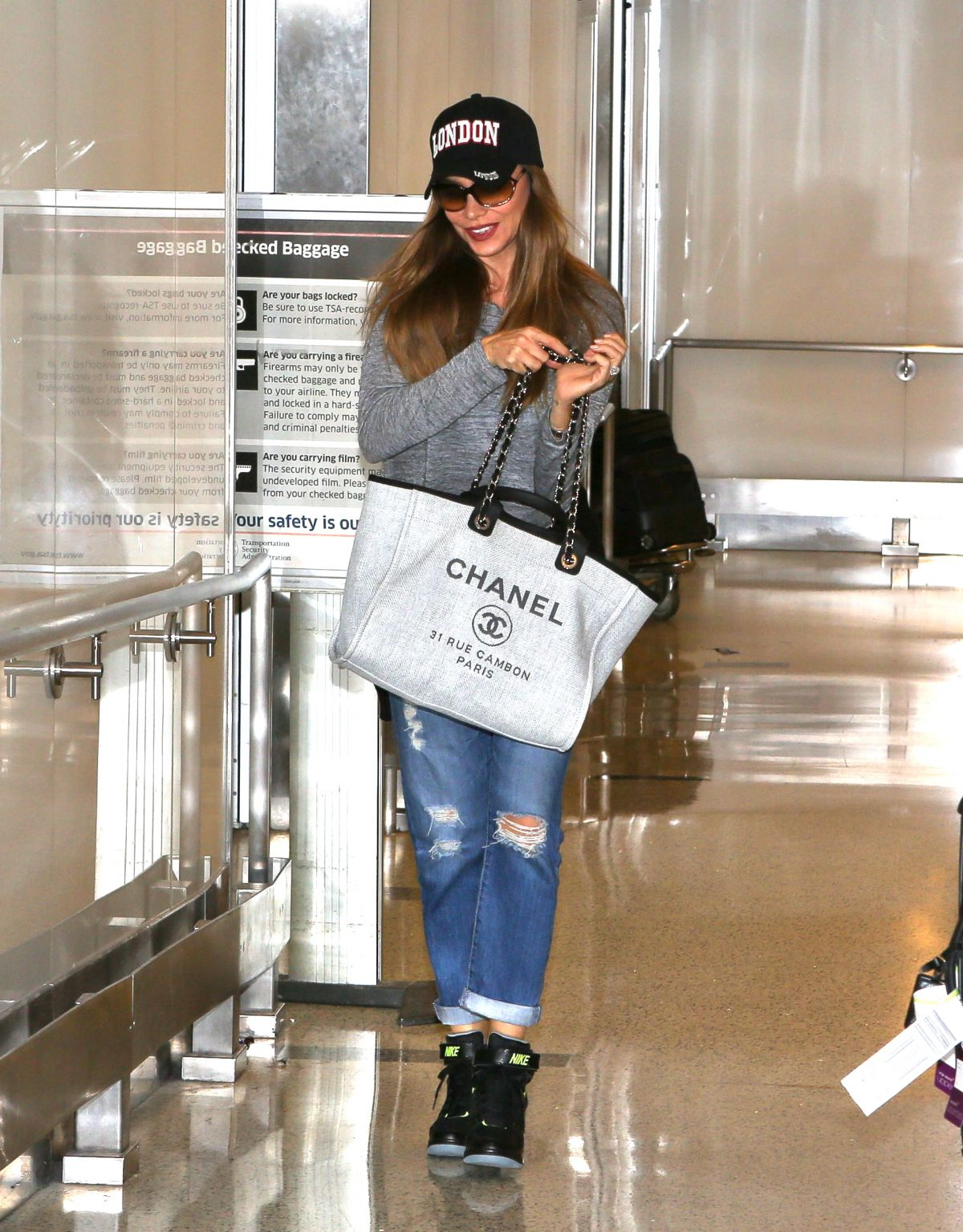 HD Photos of Sofia Vergara At Los Angeles International Airport