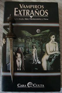 Portada del libro Vampiros extraños, de varios autores