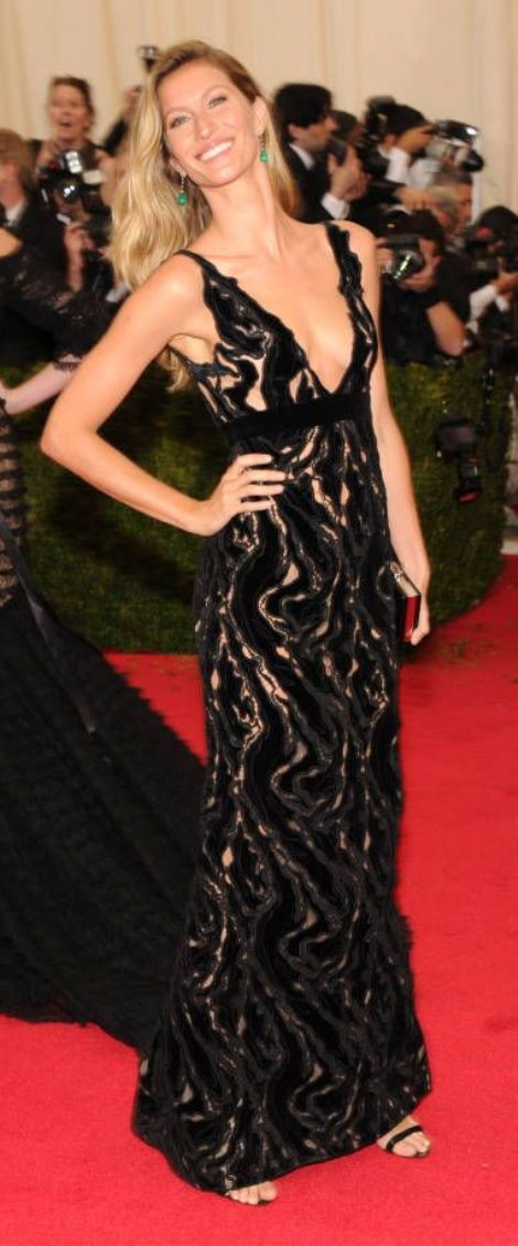Gisele Bundchen in a black and lace Balenciaga dress at the Met Gala 2014