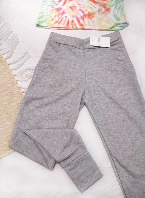 Pantalones grises de deporte