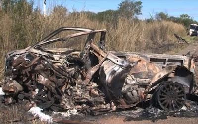 Uma pessoa morre após carro pegar fogo em batida com carreta em Barreiras
