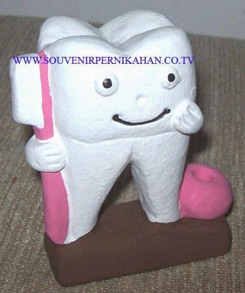 souvenir tempat pensil berbentuk gigi