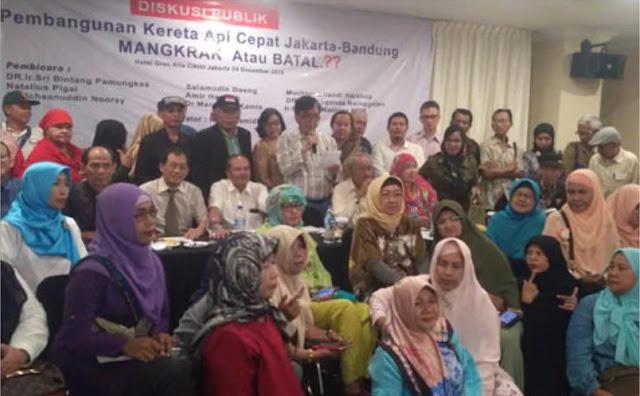Petisi Cikini Tuntut Jokowi Batalkan Proyek Kereta Api Cepat