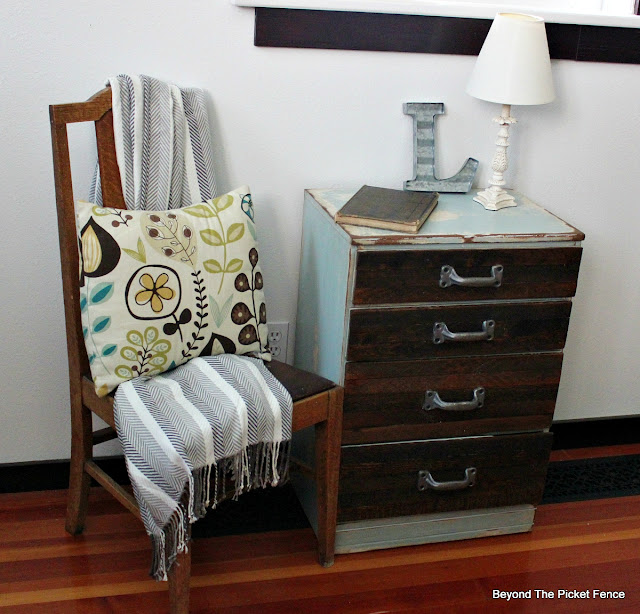 industrial, end table, nightstand, rustic, reclaimed wood, salvaged, chippy paint, DIY, http://bec4-beyondthepicketfence.blogspot.com/2015/08/rustic-industrial-chest-of-drawers.html