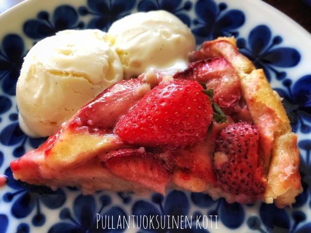 #pullantuoksuinenkoti #pancake #pannukakku #mansikka #mansikkapannukakku #kesäinenjälkiruoka #pannari #mansikkapannari #kesä #pancake #strawberry #baking #summerbaking #strawberrytime #mansikkaleivonnainen