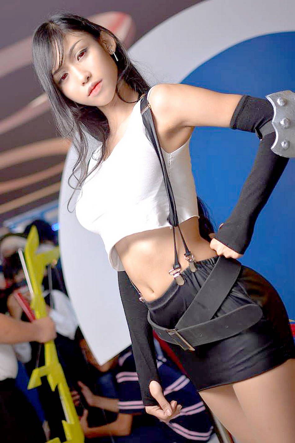 beautiful tifa lockhart cosplay