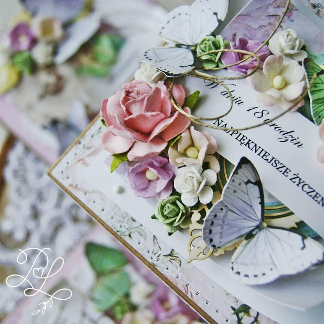 Piękny, wyjątkowy exploding box z okazji urodzin - Papierowe Love sklep papierniczy i pracownia rękodzieła Katarzyna Rajczakowska.