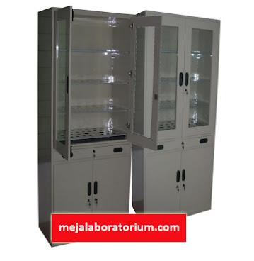 Lemari glassware laboratorium