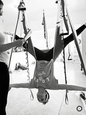 yoga aérien, formation yoga aérien, stage yoga aérien, cours yoga aérien, remise ne fomre, forme, fitness aérien, pilates aérien, sport, sportif, exercice, santé, fly, flying, flying yoga