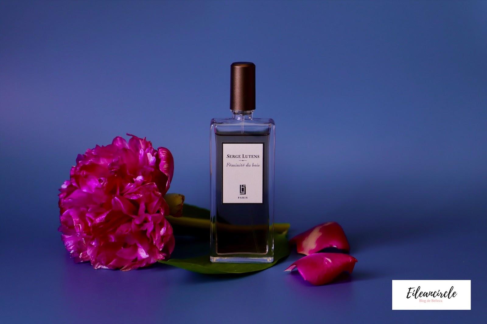 Perfume Féminité du bois de Serge Lutens