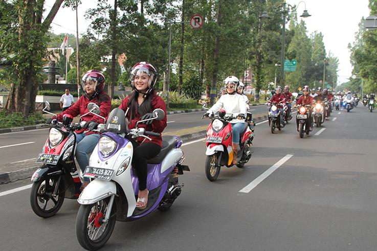 perjalanan mahasiswa menuju kampus menggunakan kendaraan