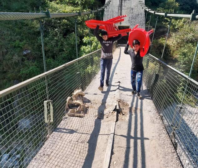 नैनी केदारेश्वर का झूलापुल खस्ताहाल, 12 गाँवों की लाइफ लाइन है पुल ।