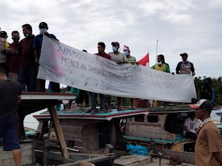 Polsek Singkep Barat Kawal Nelayan Deklarasi Penolakan Tambang Timah Laut