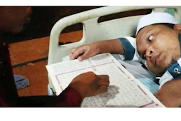 Masya Allah, Ustaz Disabilitas Bimbing 42 Santri Baca Al-Qur'an dari Atas Dipan