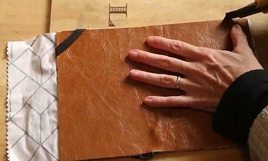capa Ipad, capa tablet, ccapa kindle, como fazer capa ipad, ipad cover, a casa eh sua, faça você mesmo, capa de proteção, capa de couro