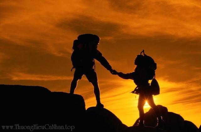 Ai là người cổ vũ, động viên và đồng hành đầu tiên cùng bạn khi bạn thành công?