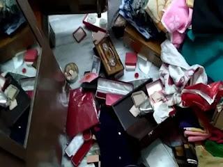 छुट्टियों पर गए व्यवसायी के घर अपराधियों ने की चोरी, लाखों के जेवर लेकर हुए फरार