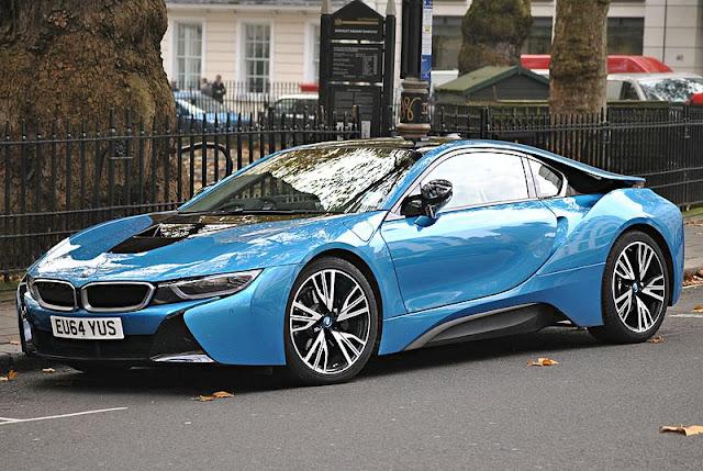 SPESIFIKASI BMW I8