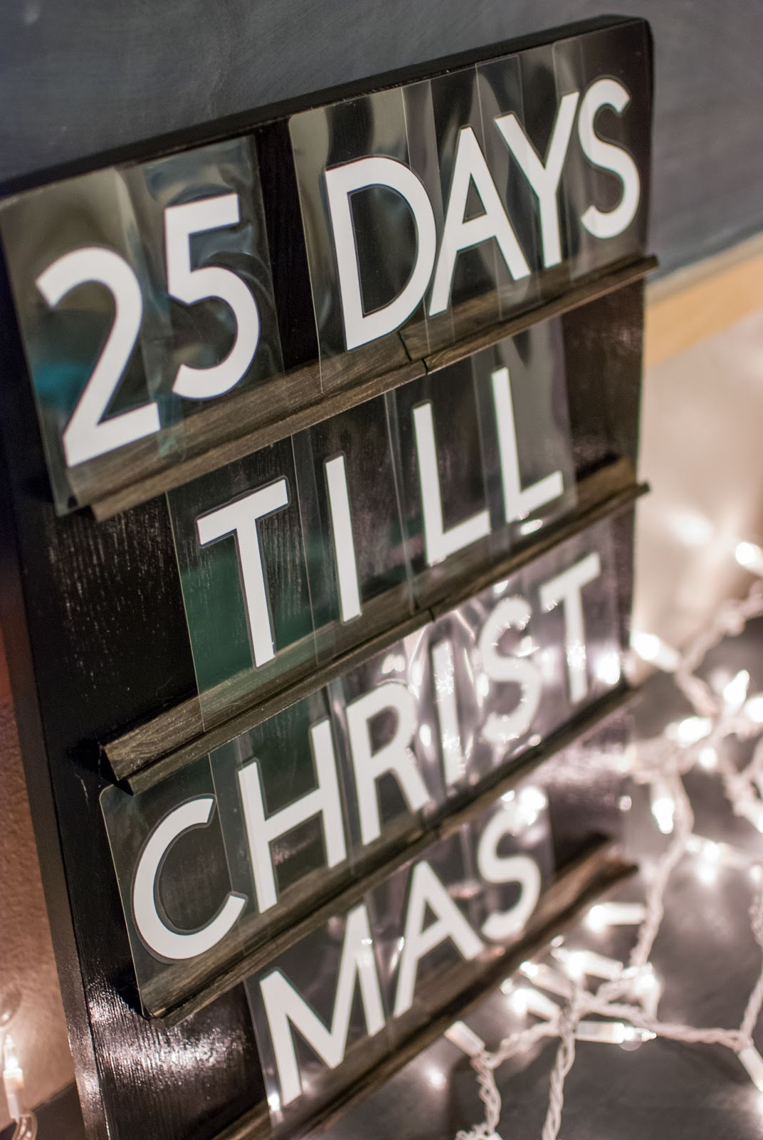 Letterboard Christmas Countdown Sign