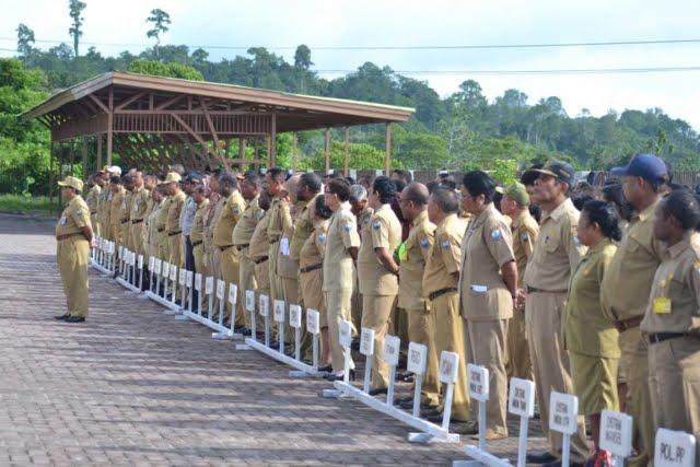 Edi Budoyo Berlakukan Jam Kerja Baru di Pemkab Manokwari