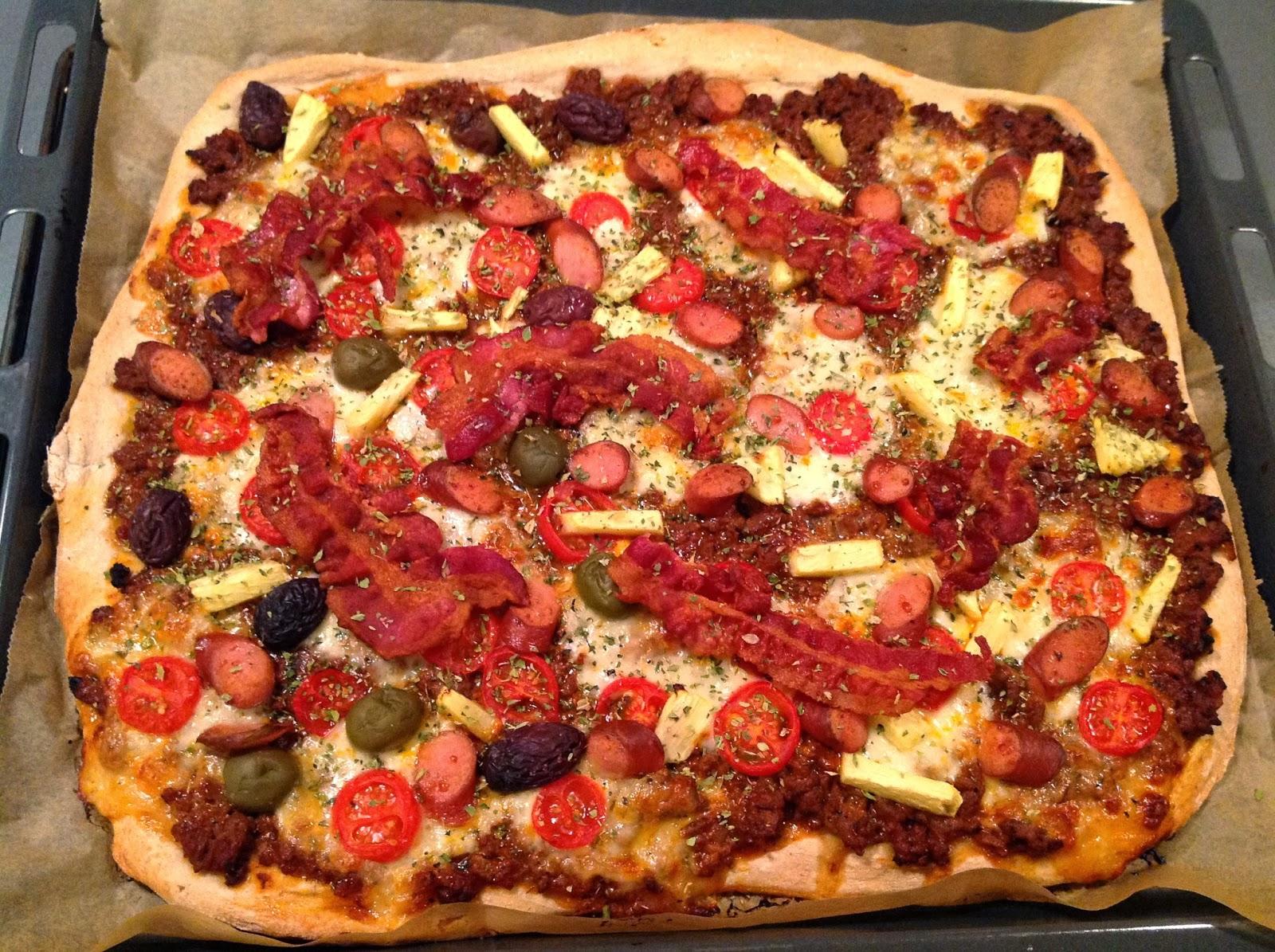 Evas Køkken: Pizza med kødsauce og bacon
