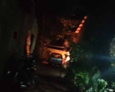 Homem queima folhas e casa pega fogo em MT
