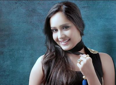 Biodata Aasiya Kazi Pemain Sinetron Anandhi Dewasa ANTV