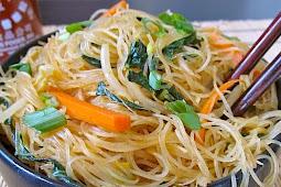 The Vegan Singapore Noodles #vegetarian #vegetables #noodles #vegan #dinner