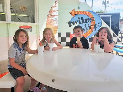 Iowa Ice Cream Road Trip at Twiins Shoppe in Jefferson, Iowa