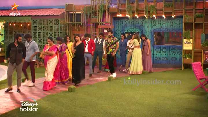 Suchitra evicted from Bigg Boss house