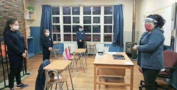 46 mil alumnos que viven en comunas sin casos activos podrían retornar a las clases presenciales