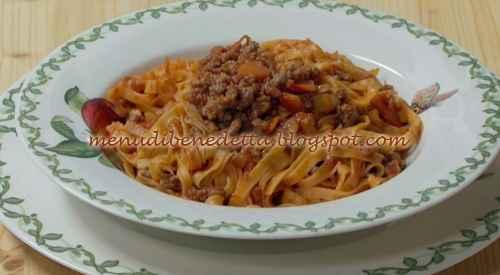 Tagliatelle fresche al ragù ricetta Benedetta Rossi
