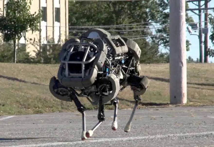 Robot Spot Buatan Boston Dynamics Amerika