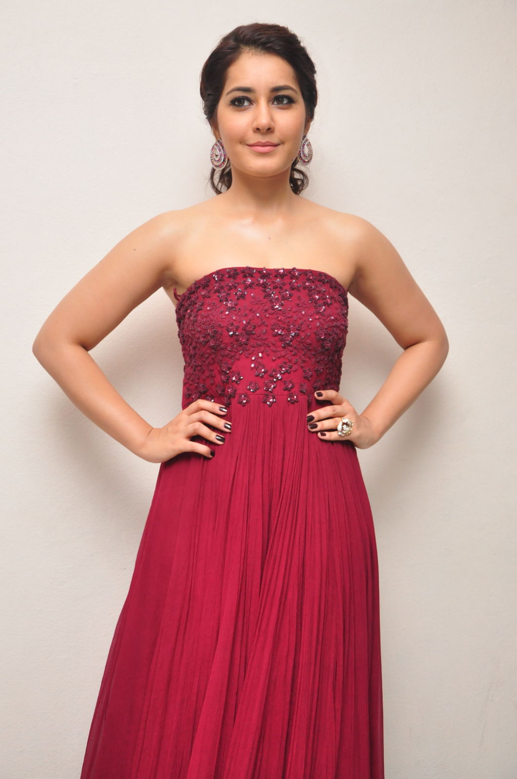 Rashi Khanna Photos In Maroon Dress