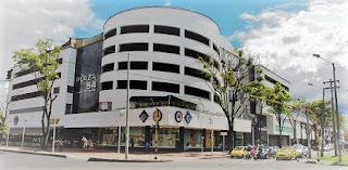 FOTO de PLAZA 54 Centro Comercial
