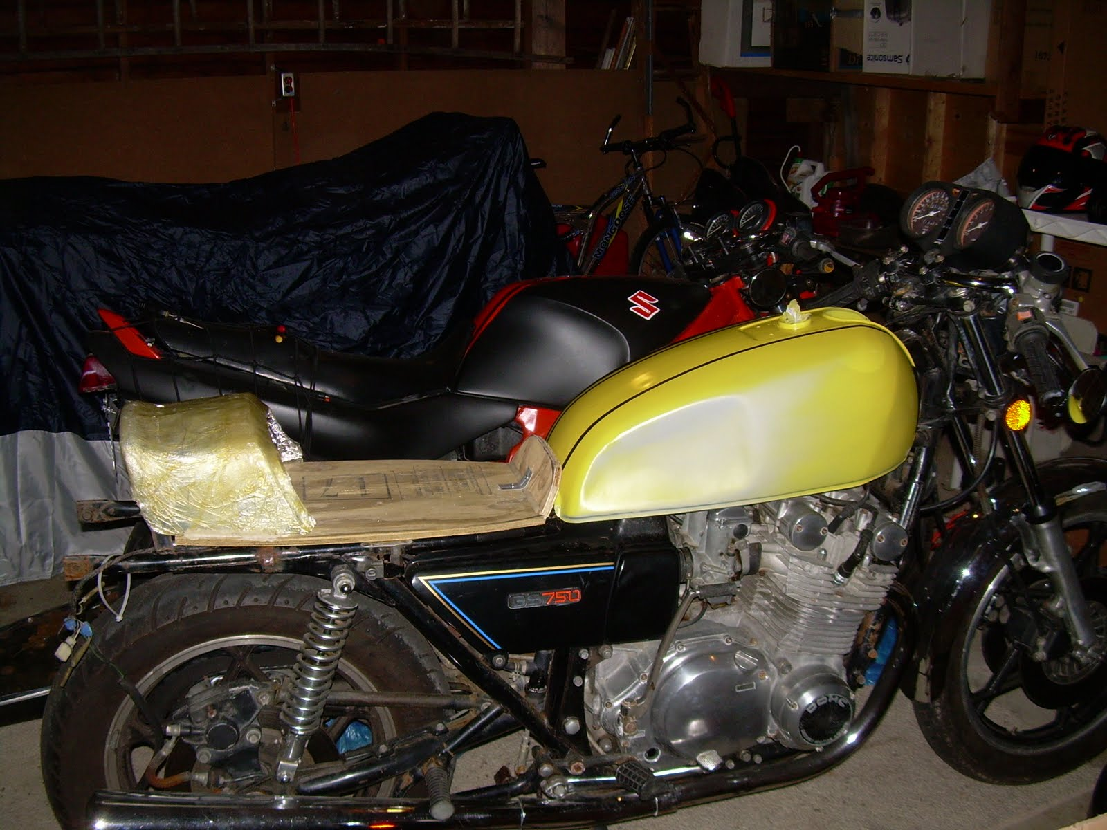 Build Shit Dude Suzuki Gs750 Cafe Mad Max Engine Diagram Here Is The Seat Glassed Puttied And Sanded With Beginnings Of A
