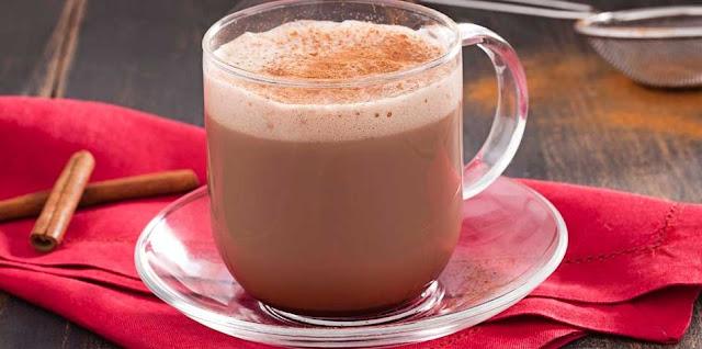 Você já tomou um delicioso Cappuccino Cremoso?  Cappuccino é uma deliciosa bebida para beber nos dias mais frio ou quente.  Essa bebida faz muito sucesso nas cafeterias, fazer essa bebida é muito fácil,  veja :