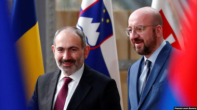 Pashinyan discute los lazos Armenia-UE en Bruselas
