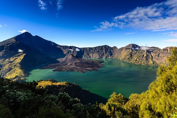 Mount Rinjani, Enchanting Exquisite Natural Beauty on the Roof of Lombok